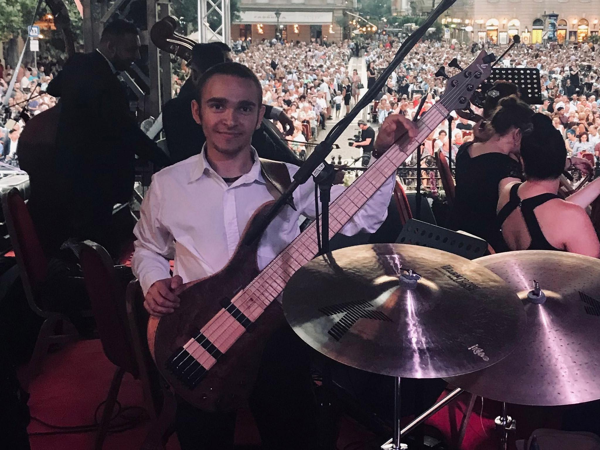 Pál Gábor basszusgitár oktatás
