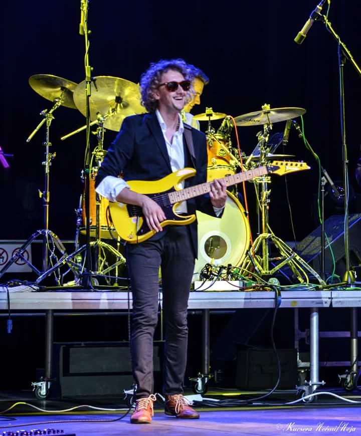Takács Dávid gitár